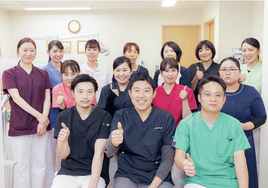 予防から歯周外科まで! 多数の先輩と共に学べる