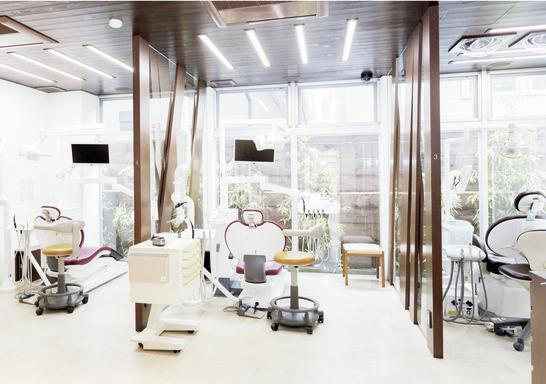 神奈川県のうえの歯科医院 Veritas Implant Salon Yokohama (ホワイトエッセンス 鶴見東寺尾)の写真3