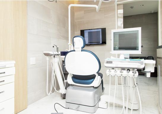 埼玉県の(1)いいやま歯科医院または(2)北越谷歯科の写真3