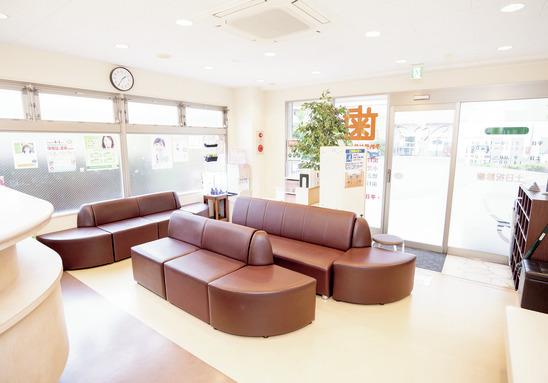 東京都の(1)すぎもと歯科または(2)ファミリア歯科の写真4