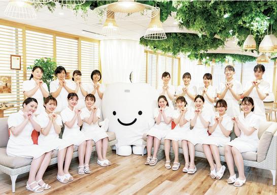 東京都の(1)ホワイトエッセンス銀座または(2)ホワイトエッセンス新宿または(3)ホワイトエッセンス青山または(4)ホワイトエッセンス池袋の写真1