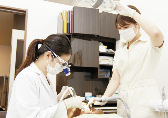 東京都の(1)東京オペラシティ歯科(本院)または(2)品川シーズンテラス歯科または(3)勝どきザ・タワー歯科または(4)大手町プレイス歯科の写真2