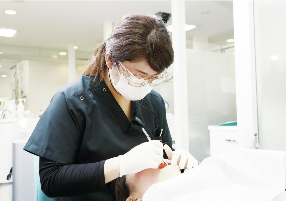 神奈川県の(1)こうざき歯列矯正クリニック/ホワイトエッセンス・センター北院または(2)ホワイト歯列矯正クリニック・ホワイトエッセンス・たまプラーザの写真2