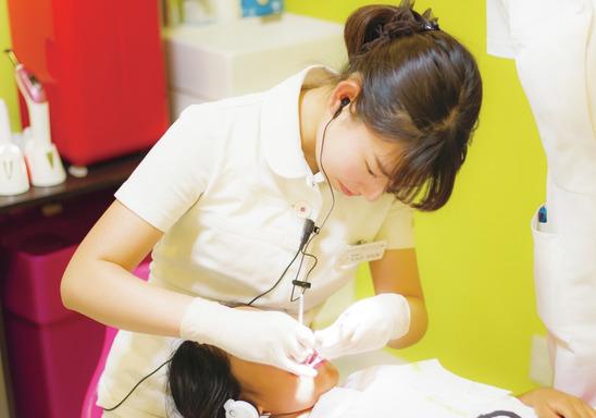 千葉県の(1)スマイルデンタルクリニックまたは(2)スマイルデンタルクリニック矯正・小児歯科の写真2