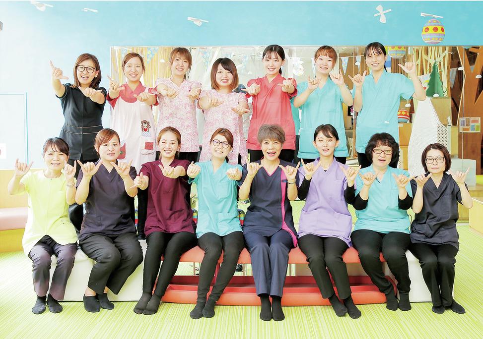 東京都の(1)ワハハ総合デンタル東京銀座 モンブランビルクリニックまたは(2)ワハハ総合デンタル福岡博多駅クリニックまたは(3)ワハハ総合デンタル広島袋町クリニックまたは(4)ワハハ総合デンタル鹿児島マルヤガーデンズクリニックの写真1