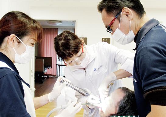 訪問歯科のパイオニア! 一生役立つスキルを獲得